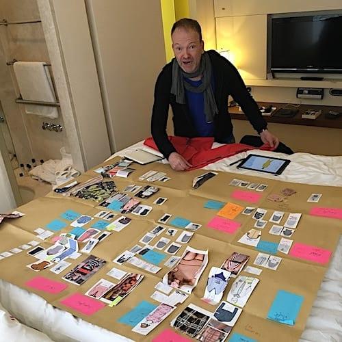 Jens König bei Ideensammlung für die Connemara Kollektion