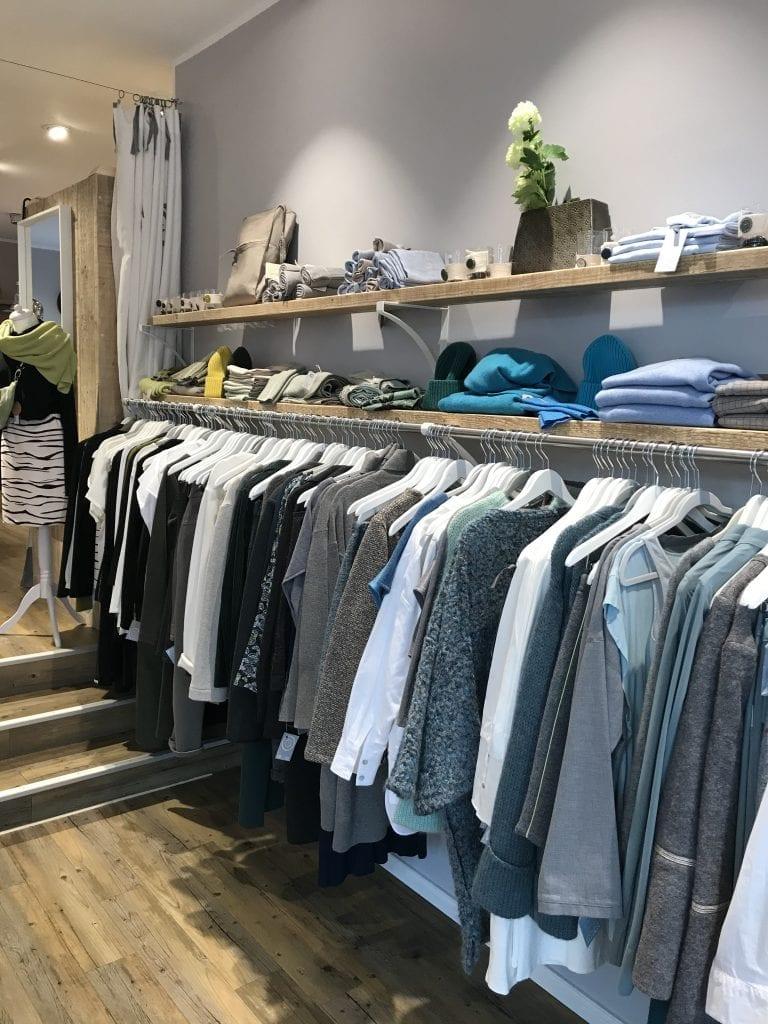 In Bergedorf einkaufen bei Linstil Mode - ein Blick in den Laden