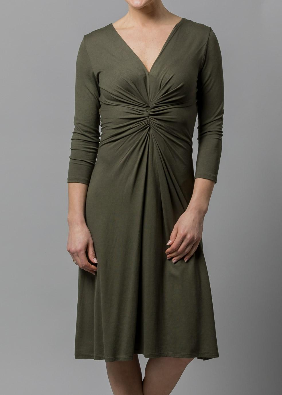 jerseykleid v ausschnitt ein Connemara Sommerkleid olivgrün Gabriela aus Jersey