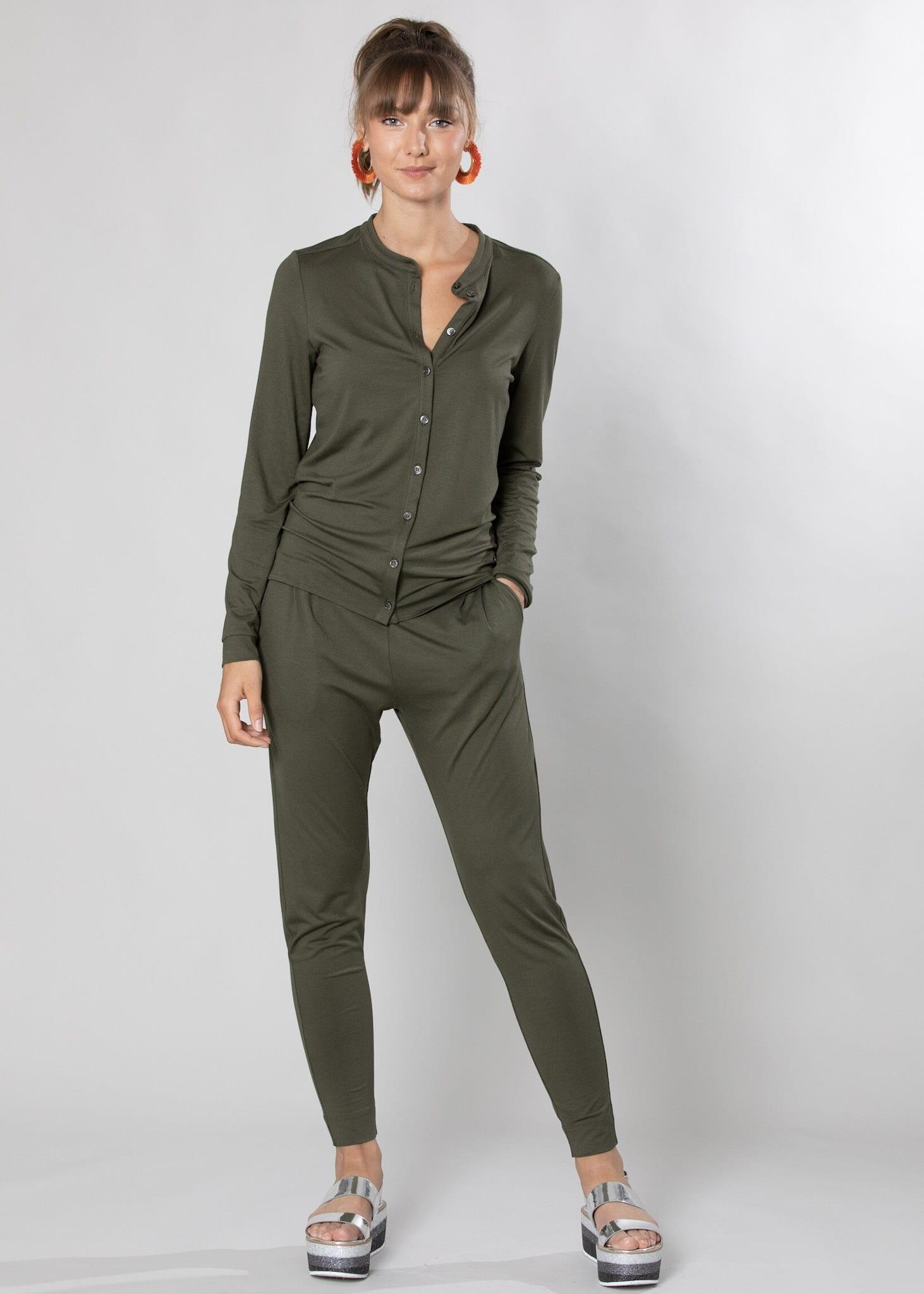 Jersey Bluse und Hose in oliv von Connemara