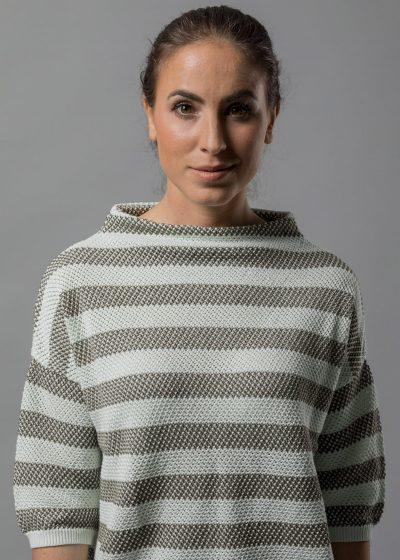 lässiger Pullover mit Kelchkragen für Damen aus Baumwolle von Connemara in oliv mit mint gestreift