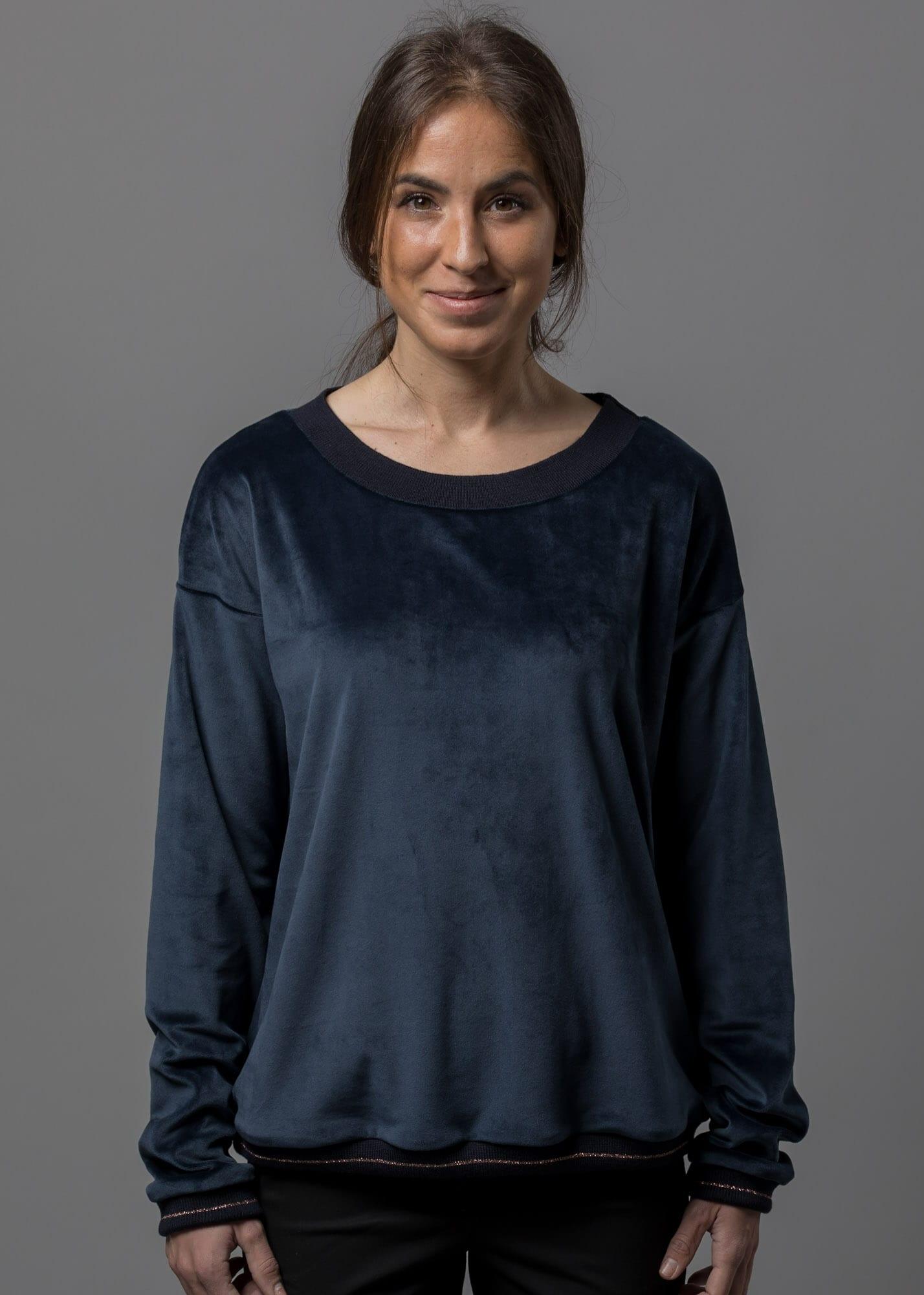 Kuschelige Samt Sweatshirt Damen von Connemara in nachtblau