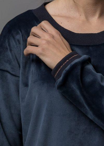 connemara-sweatshirt-samt-kora-blau-3